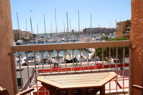 Balcony and view - Apartment by the beach with pool & stunning views - Gruissan - rentals