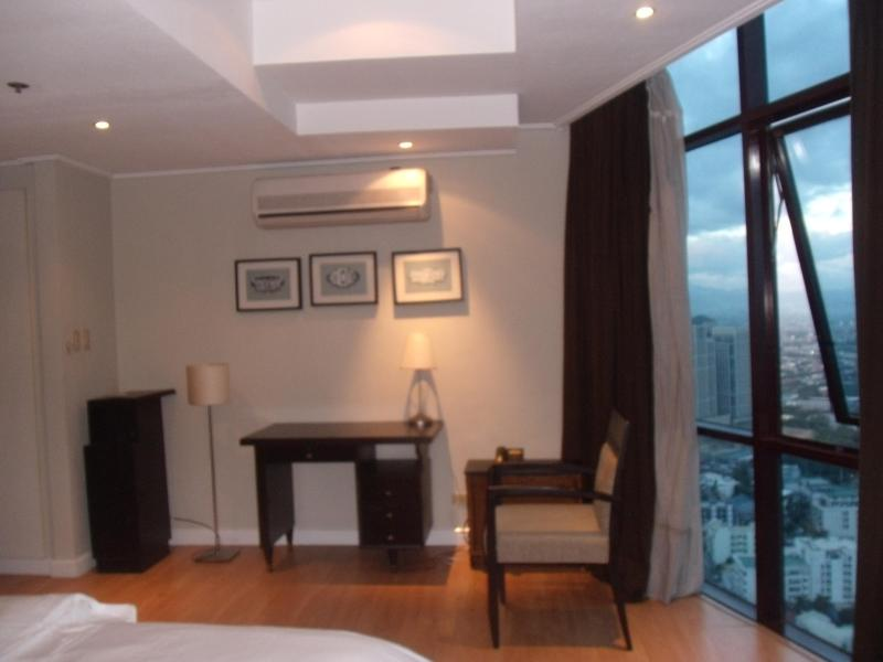 Masters Bedroom - Astoria Plaza Condominium - Tibiao - rentals