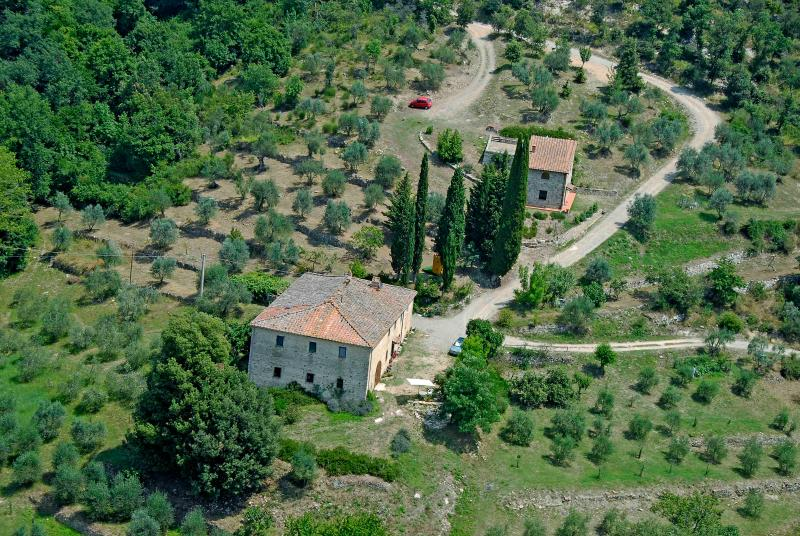 A view from above - Traditional, independent house in the heart of Chianti - Castellina In Chianti - rentals
