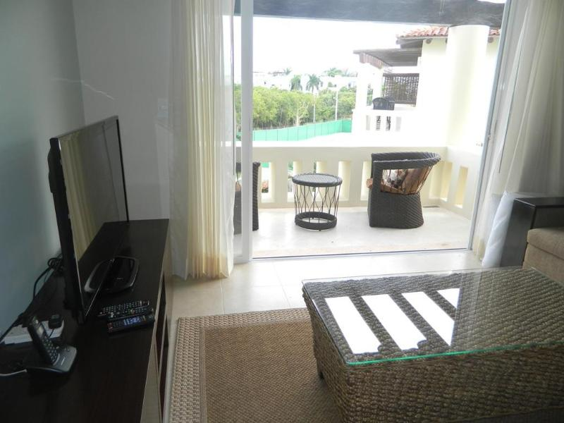 LM V6, New Beatiful Condo 2BR, Close to the beach - Image 1 - Playa del Carmen - rentals