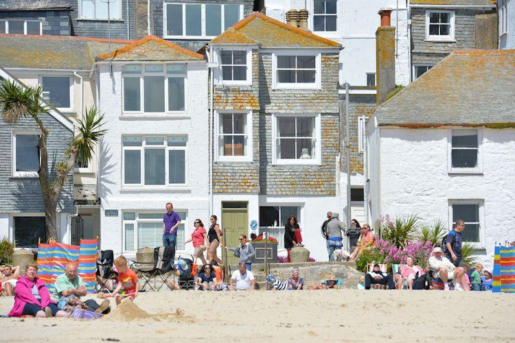 Pelican Cottage is on the beach - Pelican Cottage, St Ives - Saint Ives - rentals