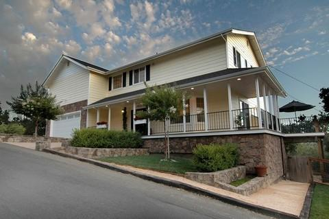 Front View - Wine Country Residence 3bd 3ba in Sonoma Hills - Sonoma - rentals