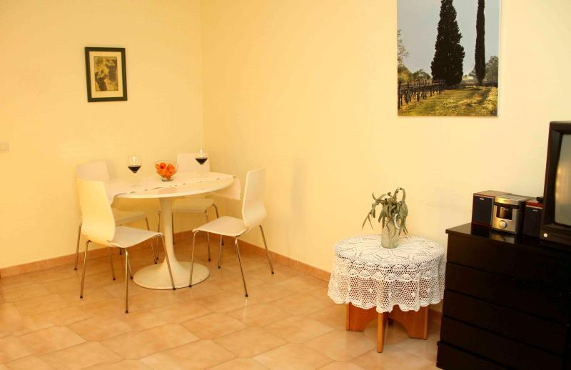 A nice corner for eat  - Appartment for 4 in Linyola (Lleida) with Air Co - Linyola - rentals