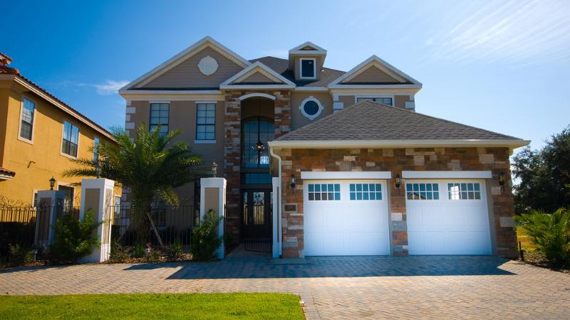 Exterior - Beautiful 5 bedroom home with games room and pool - Reunion - rentals