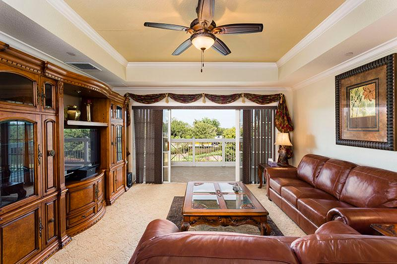 Living Room - Essential 3 bedroom condo, great for families - Reunion - rentals