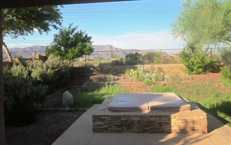 Backyard - Gold Canyon, AZ - sunshine, warmth, scenic views - Apache Junction - rentals