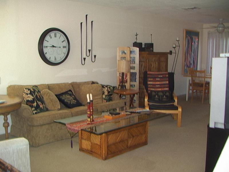 Living Room - South Palm Desert - Deep Canyon Tennis Club Condo - Palm Desert - rentals