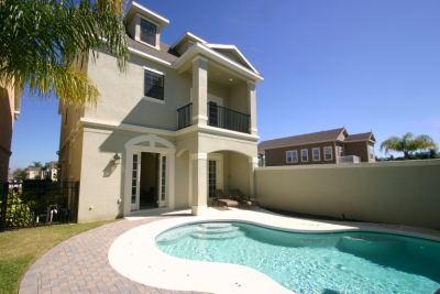 Exterior - Stunning 5 bedroom home with games room and pool - Reunion - rentals