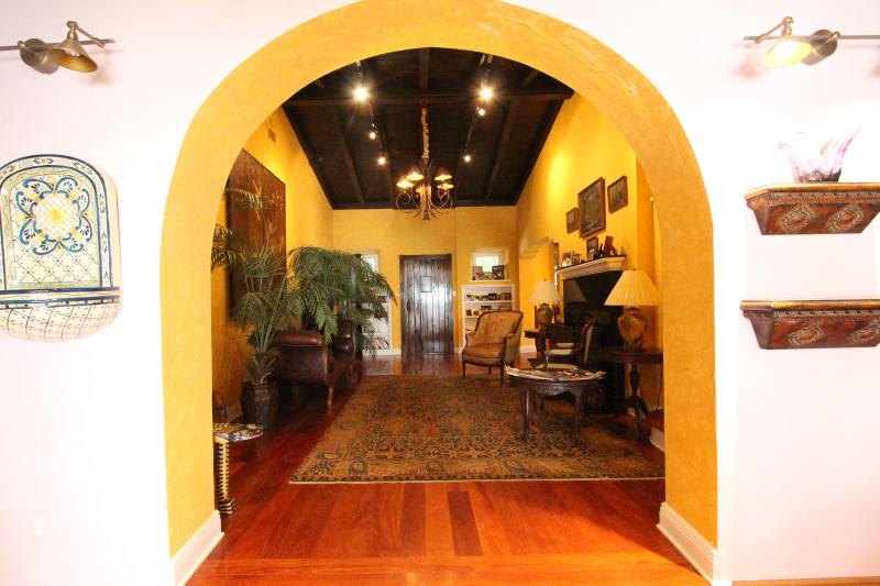 4BD Tropical Villa in South Beach, Miami (3285) - Image 1 - Miami - rentals