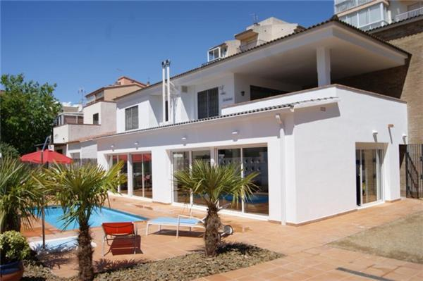 Apartment for 10 persons, with swimming pool , near the beach in Rosas - Image 1 - Roses - rentals