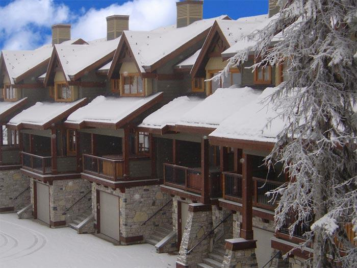 Superb location and fabulous mountain views. - 9 Blacksmith Lodge - Kemano - rentals