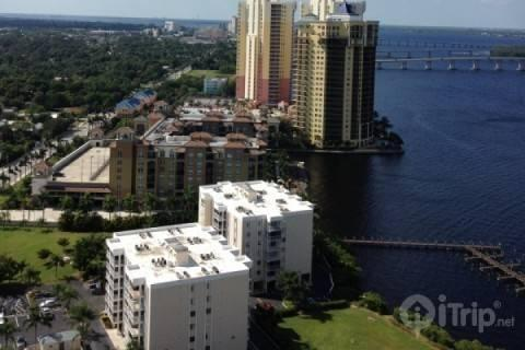 View of downtown Ft. Myers from Patio - Oasis Get Away - Fort Myers - rentals