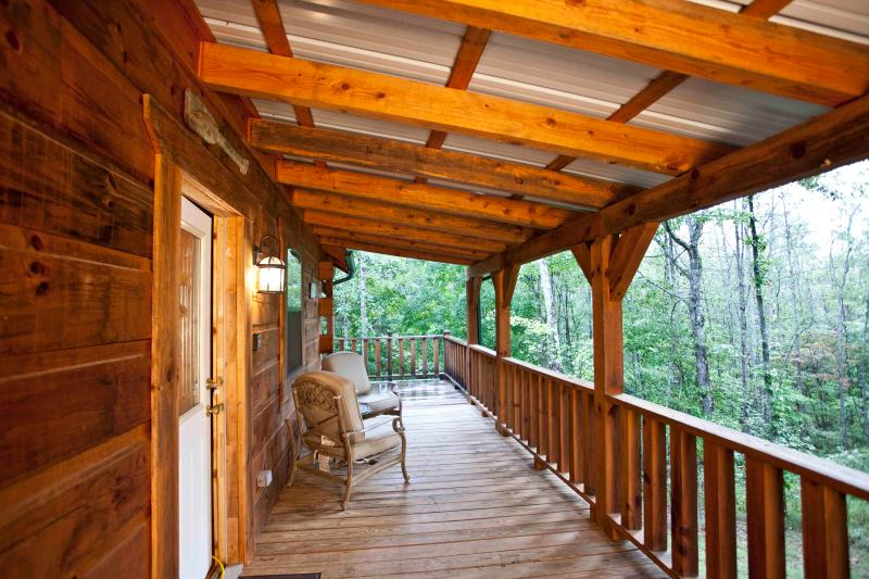 """Tellico Cabins """"Angler"""" Log Cabin With Hot Tub - Image 1 - Tellico Plains - rentals"""