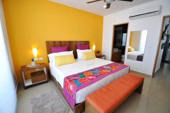 Master Bedroom - Coco Bay Beach Condo- Roof-top Pool - Studio207 - Playa del Carmen - rentals