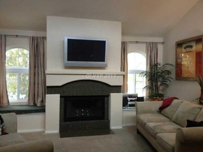 Living Area - Gorgeous 2 Bed/2Bath Condo Mins From The Strip! - Las Vegas - rentals