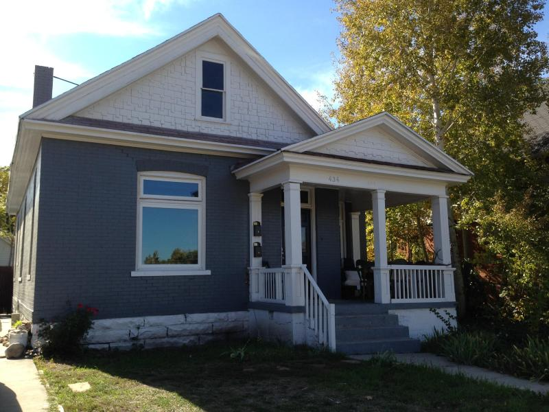 Updated spacious home combines old-time charm and modern conveniences - Spacious Turn-of-the-century Victorian Home - South Salt Lake - rentals