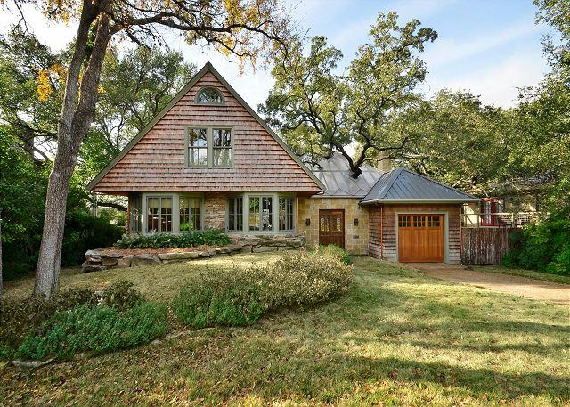 Front - 4BR/3BA Spacious Home Minutes from Downtown With Pool & Spa! - Austin - rentals