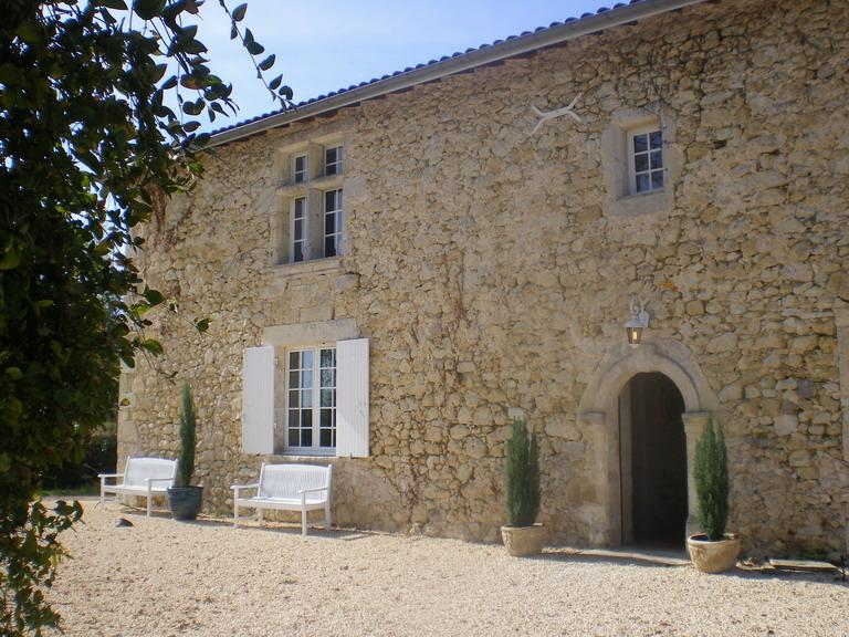 Manoir Caubeyran - Stunning Medieval Farmhouse with Private Pool. - Sigalens - rentals