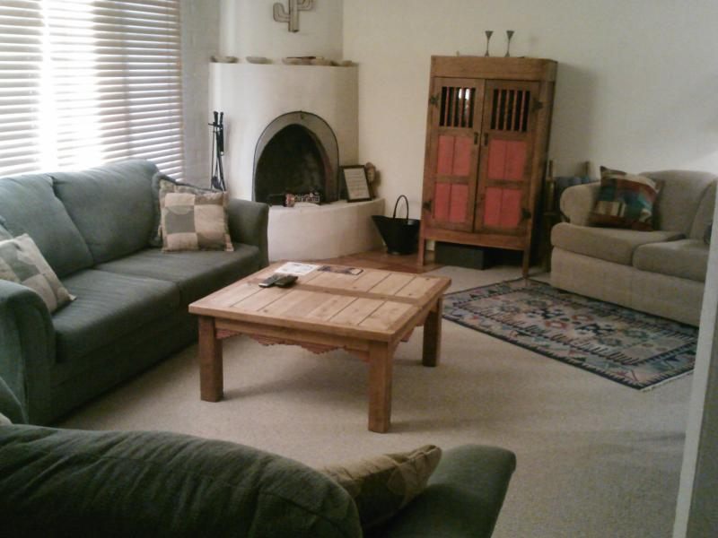SPACIOUS Slps 8-10-ON SKI RD-6 blks to PLAZA, POOL - Image 1 - Santa Fe - rentals