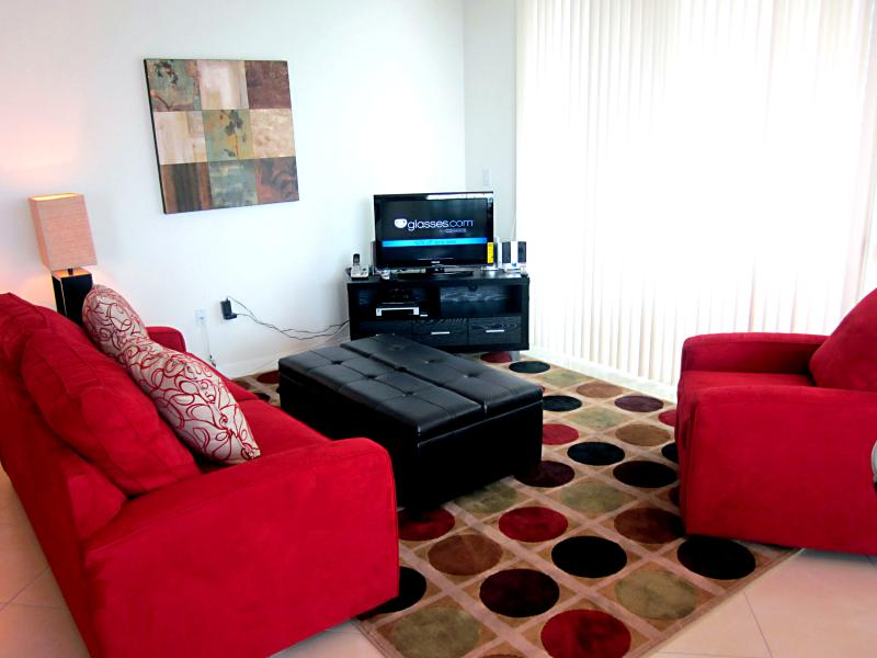 Living Room with pullout sofa bed - Lux. Brickell 2BR - Balcony, FREE parking, Wi-Fi! - Miami - rentals