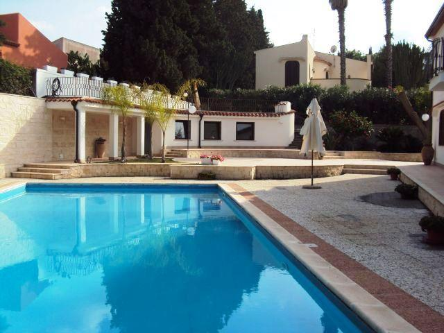 VILLA HOP: luxury villa with private pool at 50 m to th beach - Image 1 - Brucoli - rentals