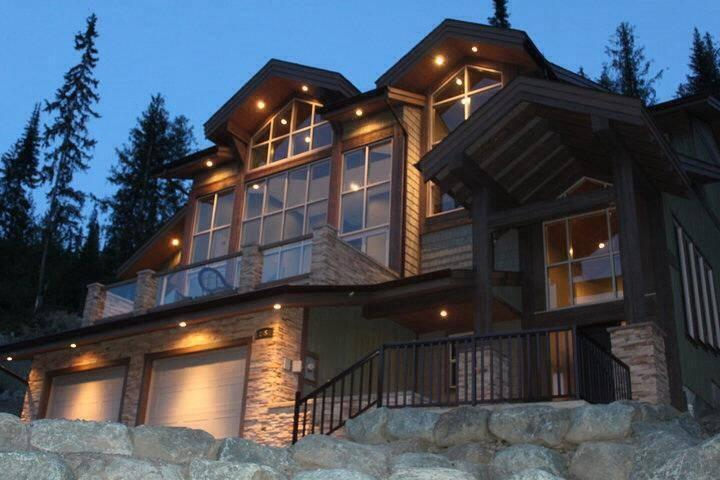 Welcome to our luxurious Mountain View Paradise Chalet! - Mountain View Paradise (MVP) - Vacation Home - Sun Peaks - rentals