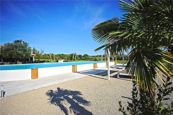 Attractive holiday house for 12 persons, with swimming pool , near the beach in Rovinj - Image 1 - Rovinj - rentals