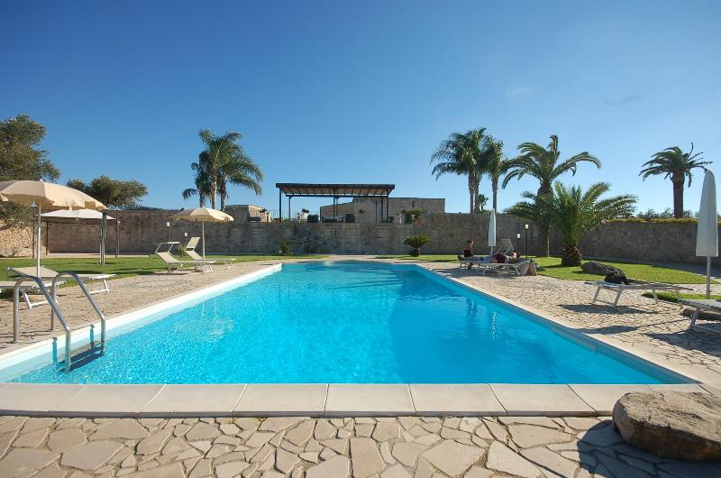 Swimming Pool 1 - Amazing villa with swimming pool for 6-12 people - Torre Dell'Orso - rentals