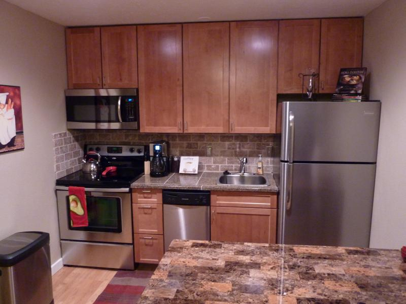 Kitchen - Beautiful Remodeled Condo on the Fraser River at Hi Country Haus - Winter Park - rentals