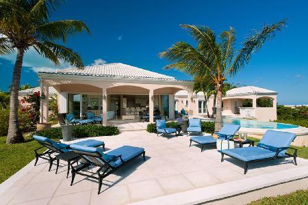 SeaBreeze Villa in gated community with salt-water infinity pool overlooking Grace Bay - Image 1 - Grace Bay - rentals