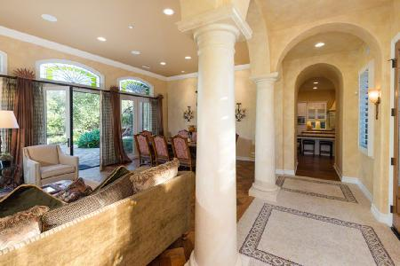 Pelican Hill Adjacent Villa has lush landscaping with access to golf and a gym - Image 1 - Newport Beach - rentals