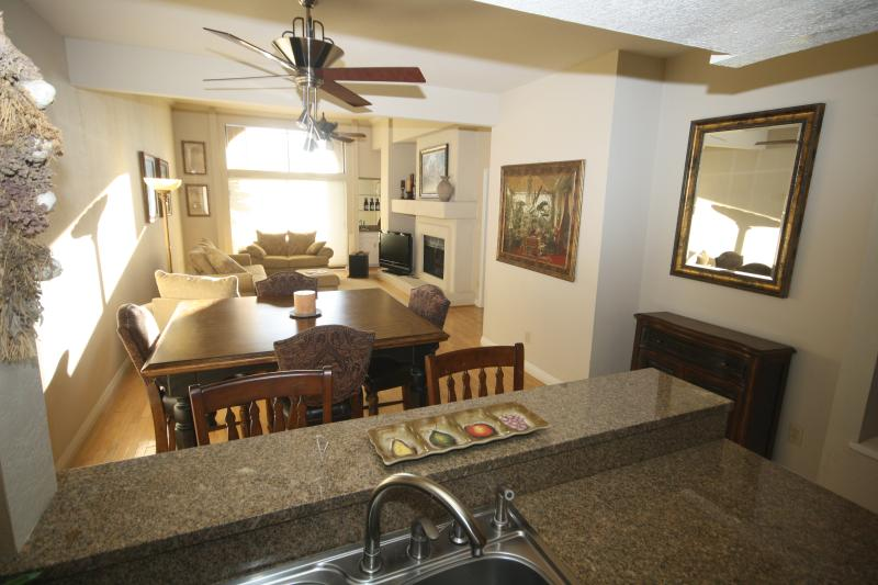 LIving Area - SNOWBIRD Townhouse in Scottsdale - Scottsdale - rentals