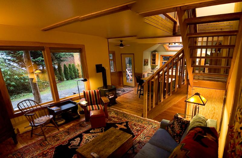Cozy - Creative west coast charm in Heron House - Tofino - rentals