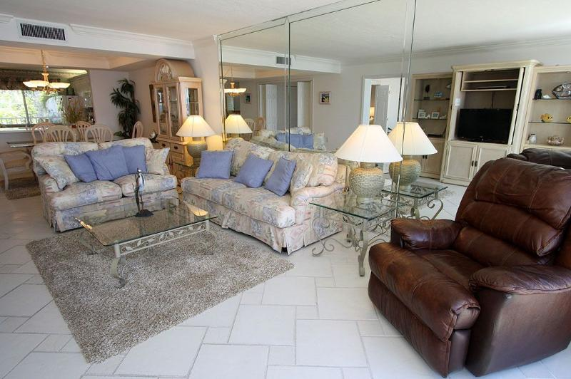 Living Area  - Lighthouse Point 226 - Sanibel Island - rentals