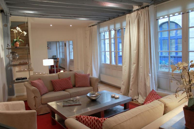 St Germain Romance - Spacious St Michel 2 bedroom apartment - Image 1 - Paris - rentals