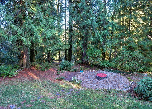 Lazy Bear Hideaway - Image 1 - Welches - rentals