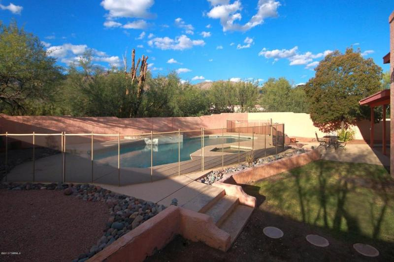 Pool and Spa with Catalina Mountains. Pool can be Heated-just ask - A NEW VACATION RENTAL!  Desert Madre Moderno - Mount Lemmon - rentals