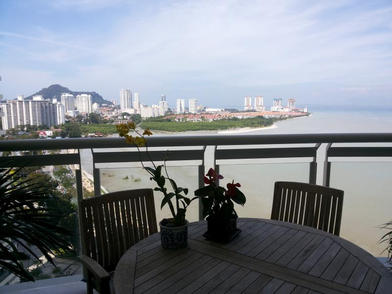 Good morning!  A magnificent view! - **ThePlace2B** A Luxurious Apartment on Gurney Boulevard. - Penang - rentals