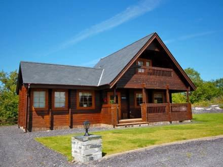 Pumpkin Lodge ~ RA30149 - Image 1 - Menai Bridge - rentals