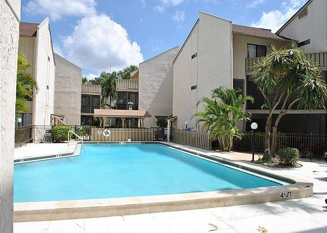 Refreshing 2 bed 2 bath Siesta Key vacation rental - Image 1 - Siesta Key - rentals