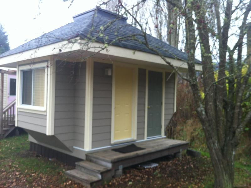 The tiny cabin contains everything you need - Affordable Cabin, Oceanview Property - Salt Spring Island - rentals