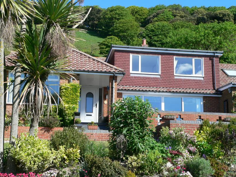 Claddagh - Claddagh Bed & Breakfast, With Panoramic Sea Views - Ventnor - rentals