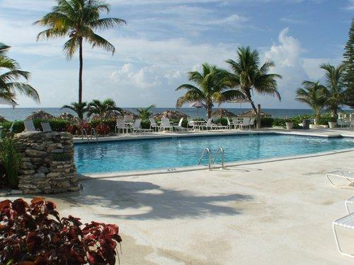 Coral Beach Pool  - Ocean Front Coral Beach Condo, Beautifully Renovated - Staniel Cay - rentals