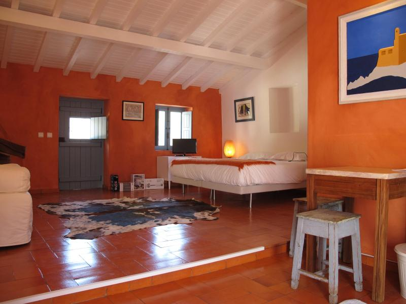 Studio in a cottage in the West coast of Portugal, very close to beautiful beaches - Image 1 - Porto Covo - rentals