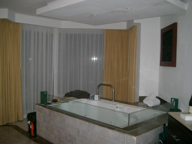 Jacuzzi Suite - Moon Palace, 7 nights, 2 adults, all Inclusive - Puerto Morelos - rentals
