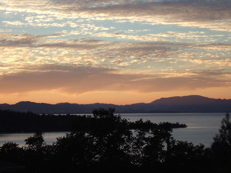 Million $ views from large deck - Fresh and Light Bungalow with Fantastic Lake Views - Kelseyville - rentals