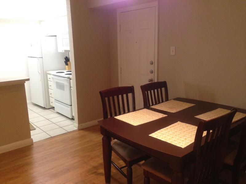 Dining Area - Fully Furnished Med Center Apt 1 BR with Shuttle - Houston - rentals