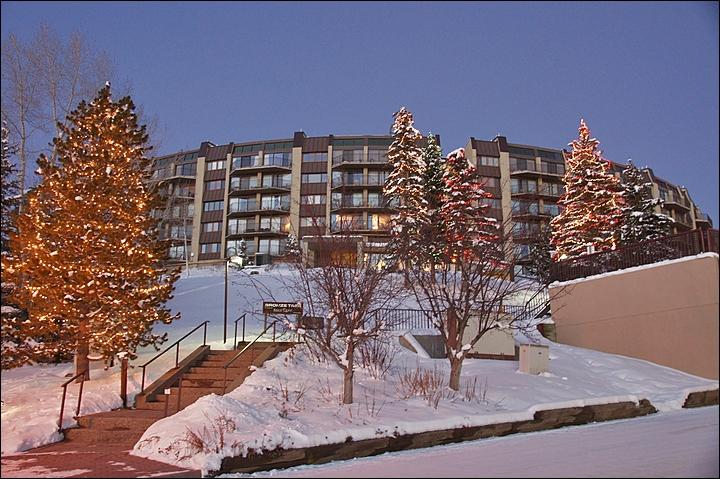 Exterior View of the building from Ski Time Square. - Ski In, Walk Out with Private Shuttle in Ski Season! - Tastefully Furnished & Decorated Condo with Great Views (4232) - Steamboat Springs - rentals
