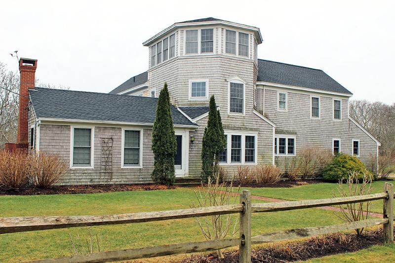 1671 - Lovely Home in Katama Close to South Beach - Image 1 - Edgartown - rentals