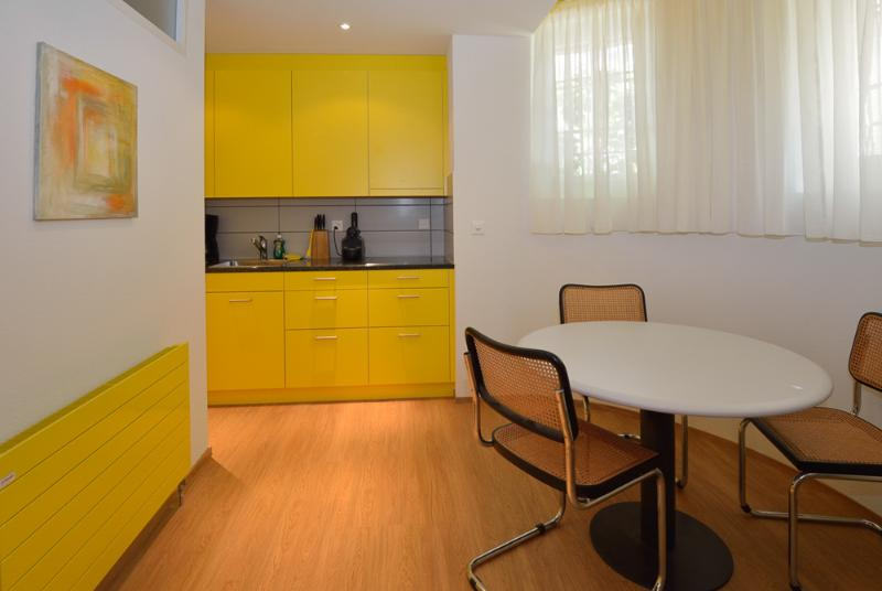 separate kitchen / dinning area  - Garden Apartment 2- Zuriberg - Zurich - rentals